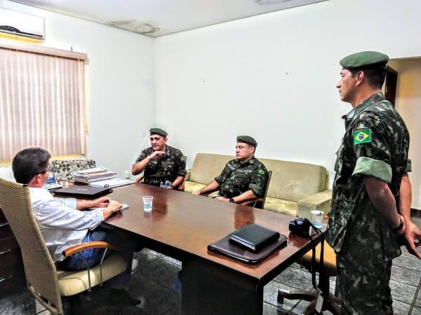Enelto recebe equipe para implantar junta militar no município