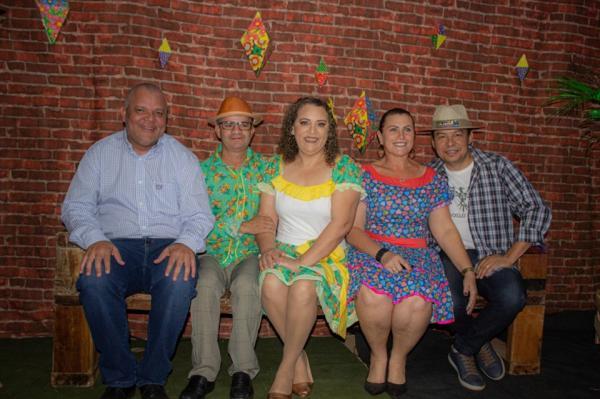 Prefeito Enelto participou de festa junina