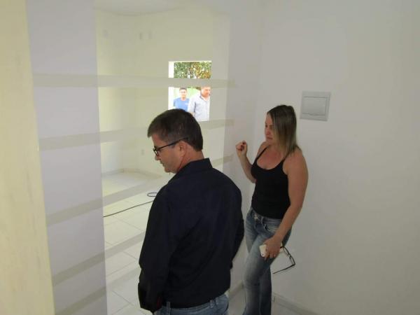 Enelto visita obra onde será instalado aparelho de ultrassonografia