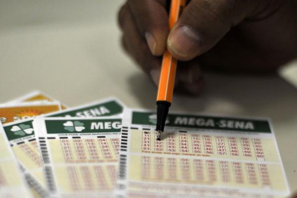 Mega-Sena paga hoje prêmio de R$ 3 milhões