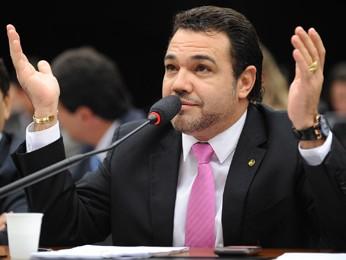 Marco Feliciano manda recado para Miriam Leitão