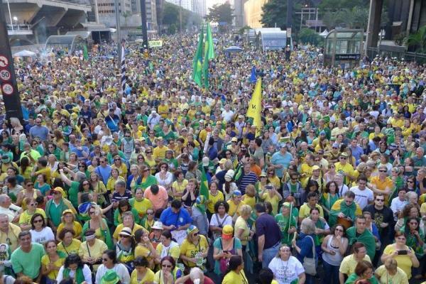 URGENTE: Povo toma as ruas pela CPI 'Lava Toga', impeachment de Gilmar Mendes e 'limpeza' no STF